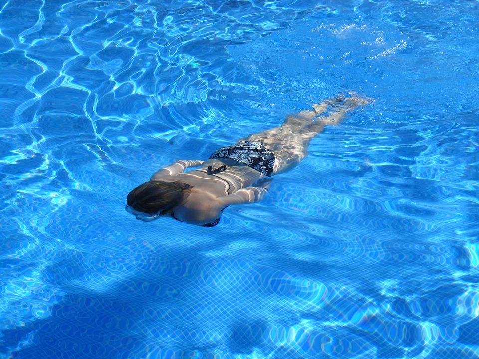 טיפולי מים בבריכה