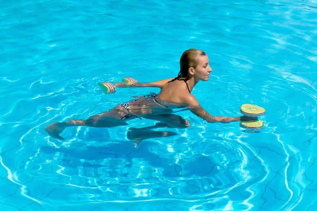 התעמלות נשים במים